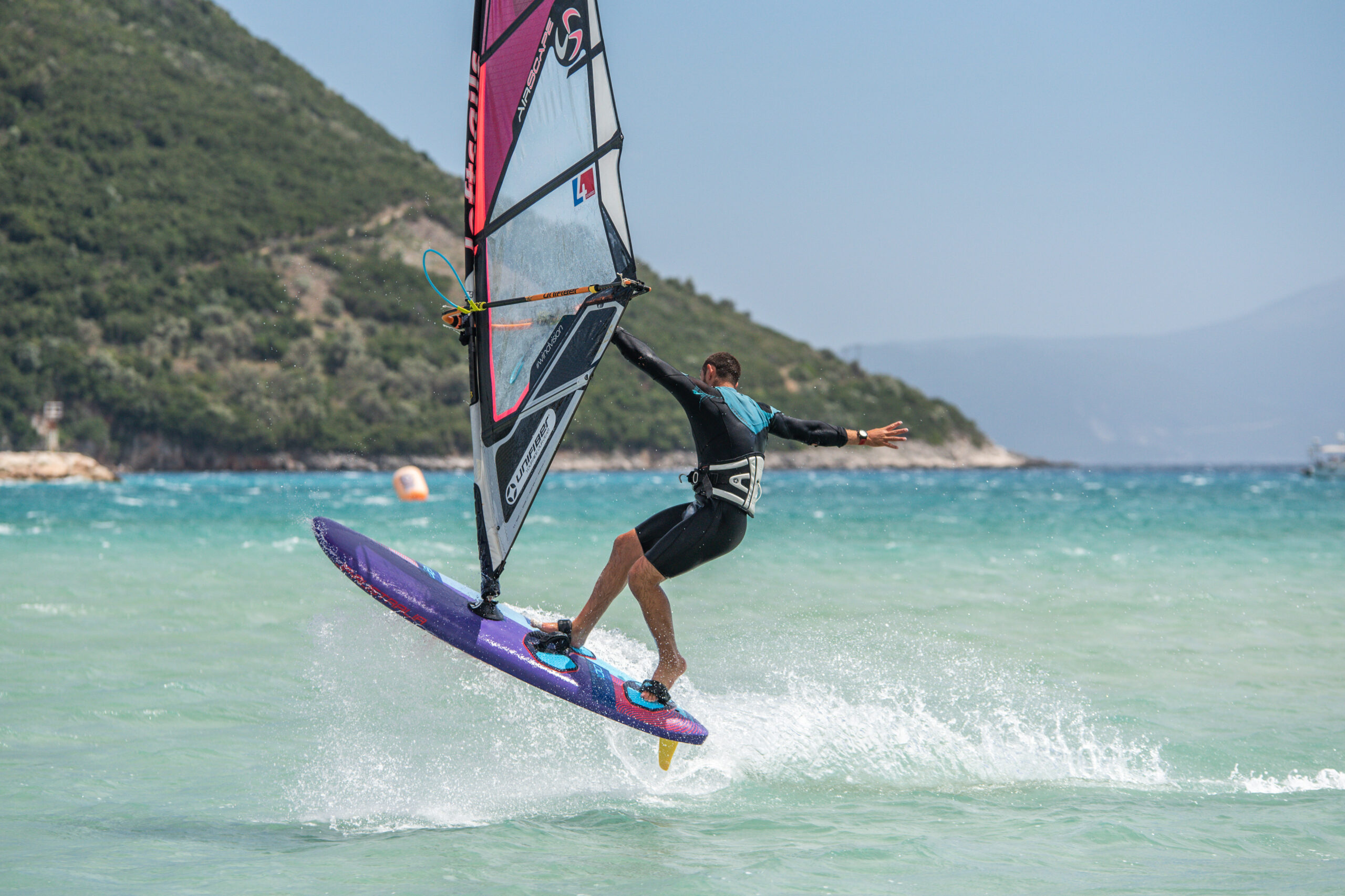 OceanЯ sponsors windsurfer George Grisley as he competes in the 2021 European Freestyle Pro Tour